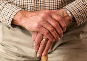 We discuss the links between incontinence and dementia | BedGuard